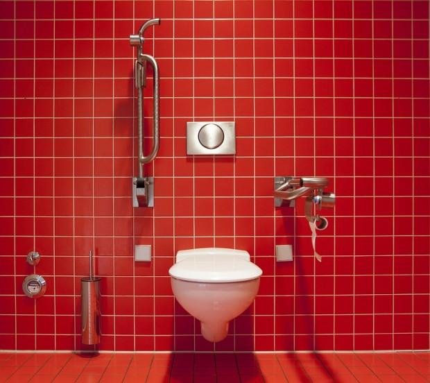 Trucs et astuces pour éradiquer les odeurs désagréables des toilettes